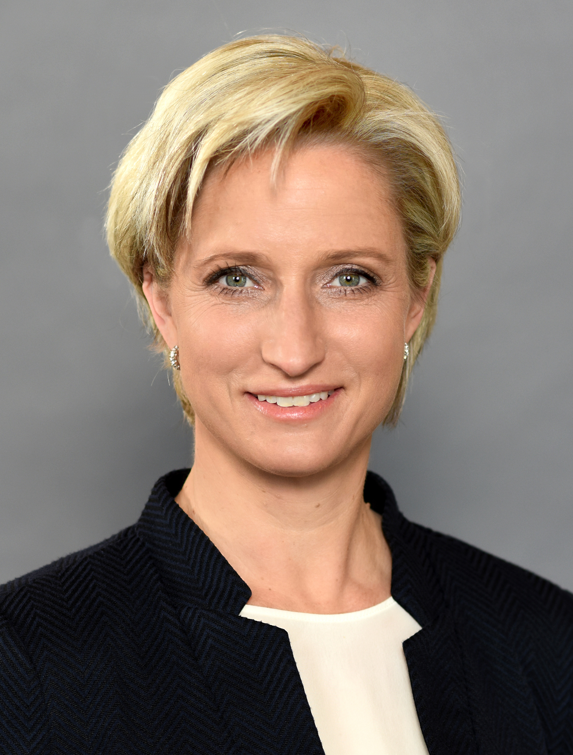 Ministerin Dr. <b>Nicole Hoffmeister-Kraut</b> - Hoffmeister-Kraut_2